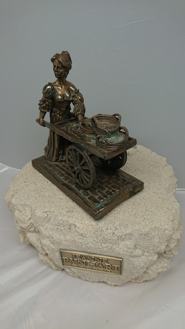 Molly Malone Bronze Sculpture - Jeanne Rynhart - Medium